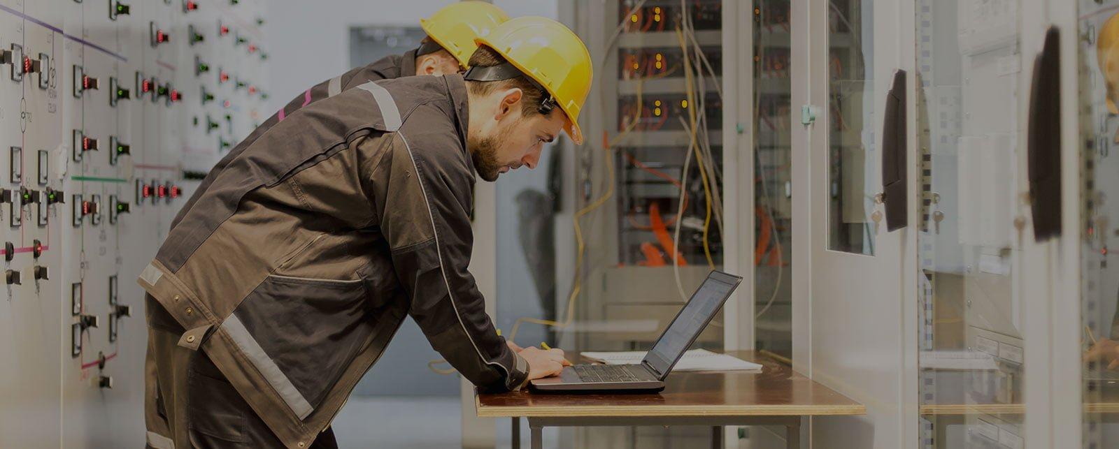 electrical specialist laptop slider image